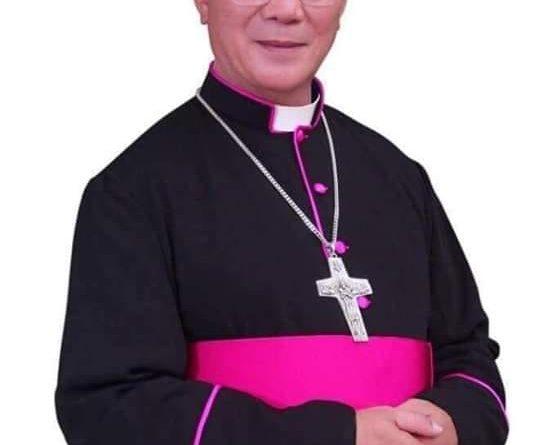 Linh mục Việt Nam hôm nay đang trong cơn lốc tự do có phần không lành mạnh