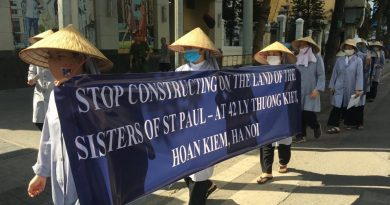 Dòng Thánh Phaolô Hà Nội tổ chức tuần hành để đòi đất?