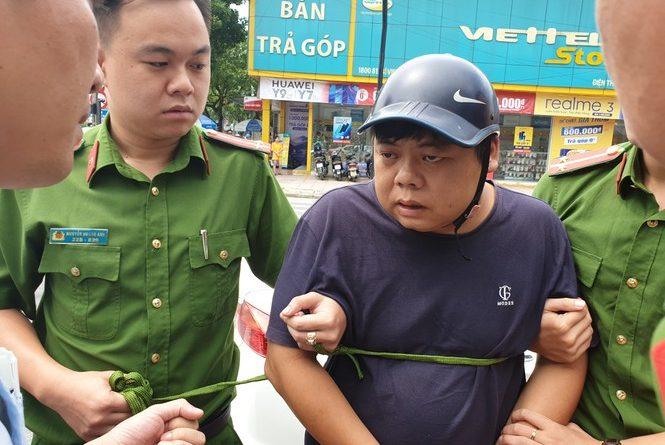 Công an Nghệ An bắt ba người Trung Quốc dùng thẻ ATM rút tiền của hàng chục khách hàng