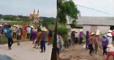 Giáo dân giáo xứ Đạo Đồng (Yên Thành) bắt giữ người trái pháp luật