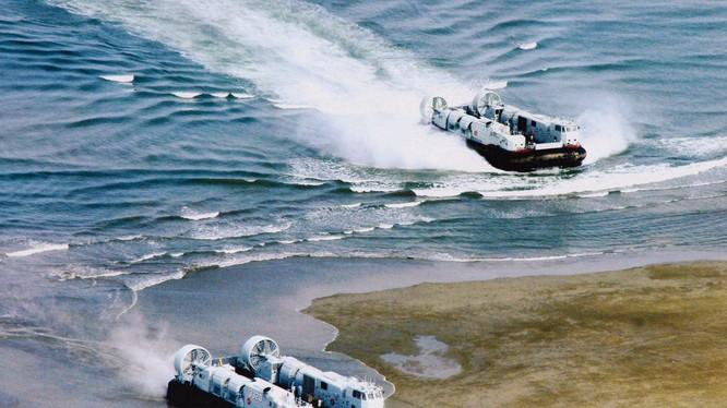 Giữa lúc quan hệ hai bên Eo biển căng thẳng, quân đội Trung Quốc rầm rộ diễn tập tấn công Đài Loan