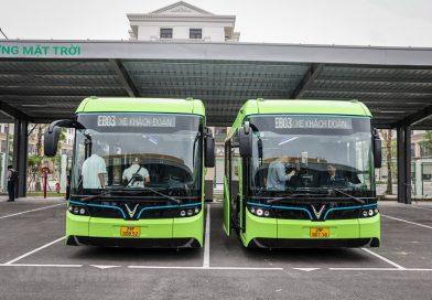 Cận cảnh xe buýt điện VinBus đang chạy thử nghiệm ở Hà Nội