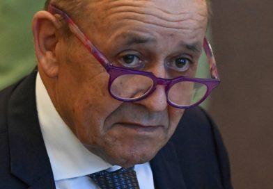 Bể hợp đồng tàu ngầm 40 tỉ USD với Úc, Pháp chỉ trích Mỹ 'đâm sau lưng'