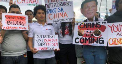 Phó tổng thống Philippines: Dân đang sợ tổng thống 'bán mình' cho Trung Quốc