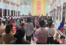 Linh mục Phạm Thế Hưng chống lệnh chính quyền, coi thường chỉ đạo của giáo hội, vẫn hành lễ đông người